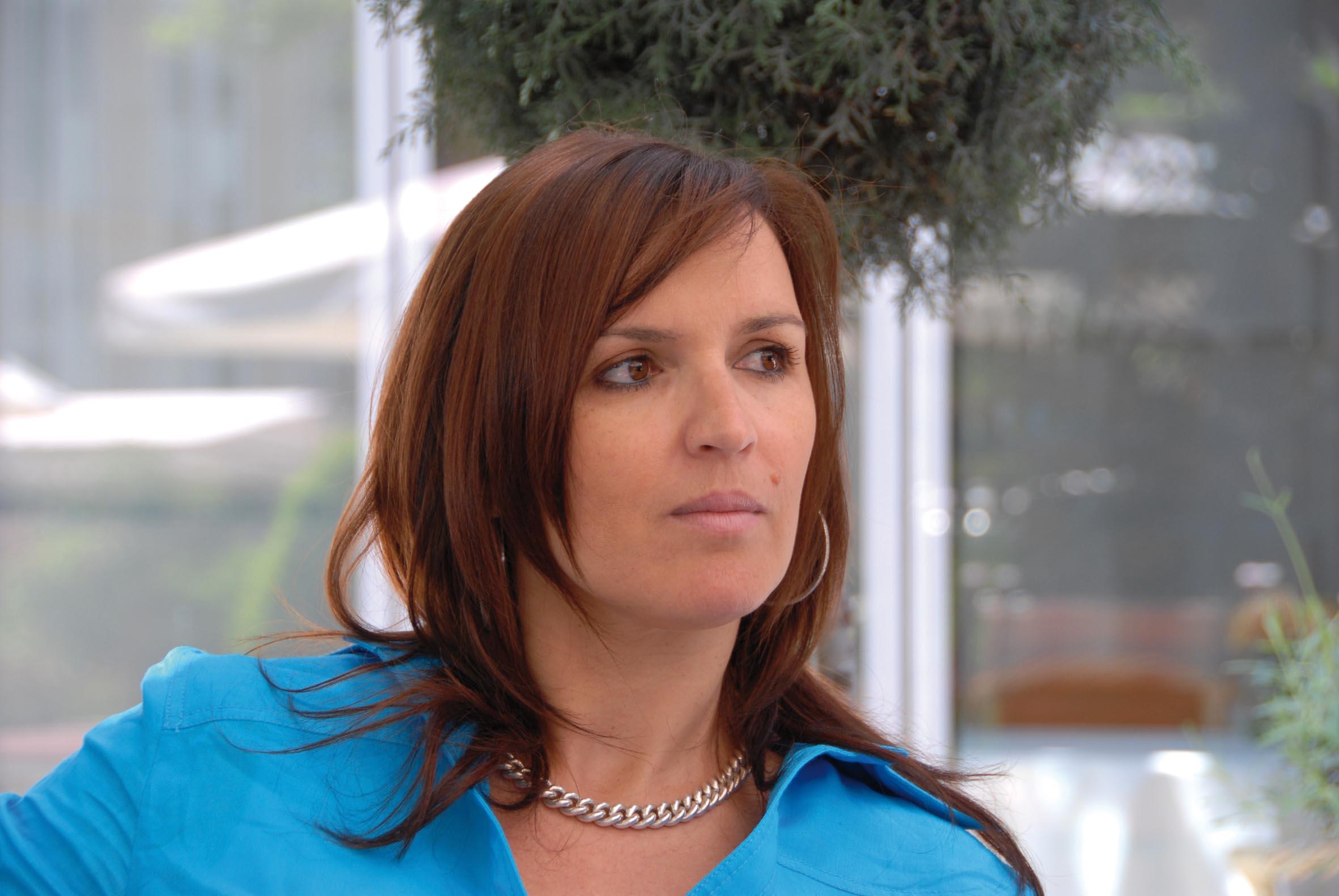 Mutter managerin moderatorin cover for Barbara karlich neuer freund